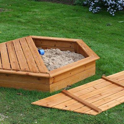 Sandpits & Tables